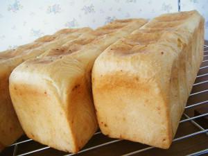 香る食パン