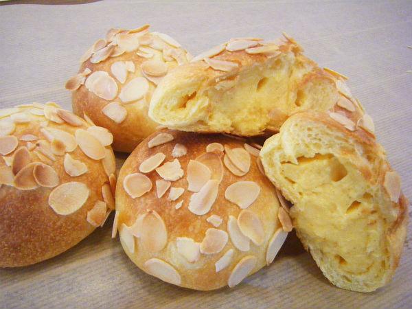 ブリオッシュクリームパン