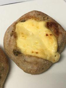 クリームチーズカンパーニュ